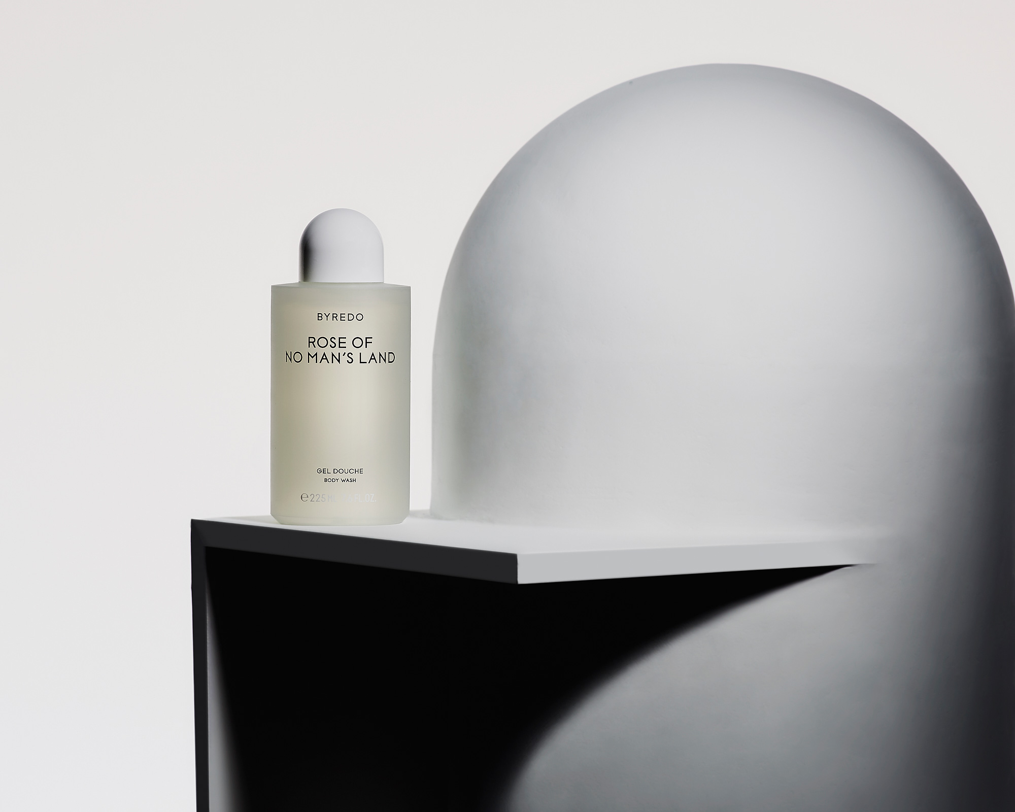 no man's land shower gel by byredo