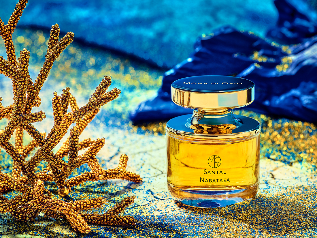 santal nabatea by mona di orio in a perfume still life by axel kranz